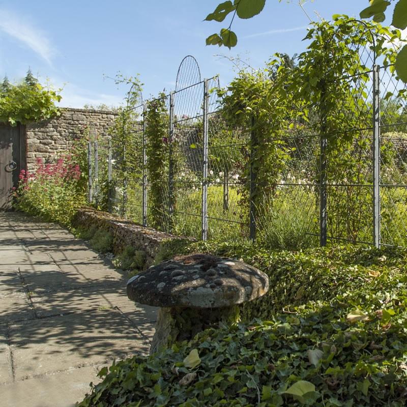 garden trellis panels garden requisites. Black Bedroom Furniture Sets. Home Design Ideas