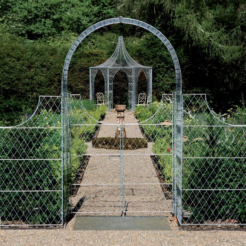 Trellis Gates in Arch
